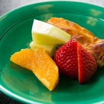 【デザート一例】 *フルーツ盛り合わせ。四季折々の果物を心を込めてお出しいたします。