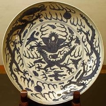 【「ふきや」を彩るアンティーク】 *古染。中国より伝来し茶人に愛されてきた伝統陶器。
