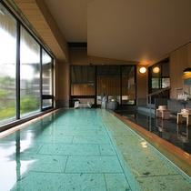 【大浴場】 *趣の異なる大浴場は、ご滞在中に入替がありますので、ぜひ両方をお楽しみ下さい!