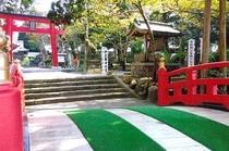 伊豆最古の宮・白浜神社。マーティから徒歩5分。