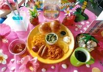 [朝食]食事内容+1プレート食器、他食器+テーブル以外のディスプレイは全てイメージ