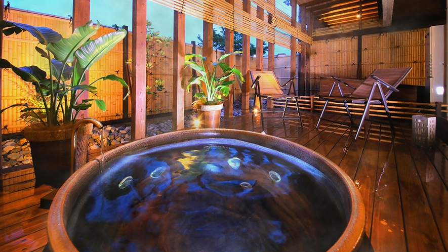 ■露天風呂■地域内ホテルで唯一の露天風呂は、疲れた体をしっかり癒します♪