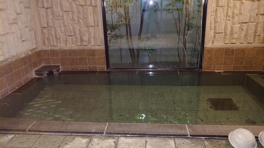 ラジウム人工温泉大浴場「旅人の湯」 男性大浴場ゆっくりと疲れを癒し、明日の活力にして下さい。