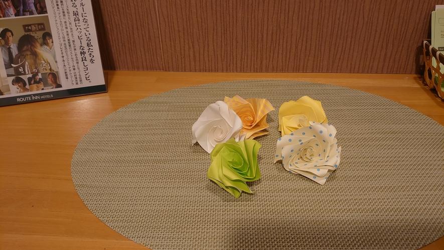季節を彩る折り紙を各フロアにご用意しております。