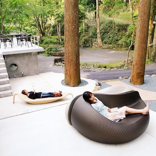 読書やお昼寝など、自然の中でお寛ぎください。