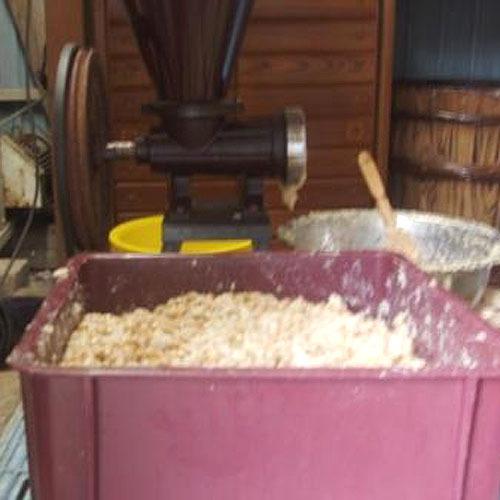 桜荘の味噌作り 01