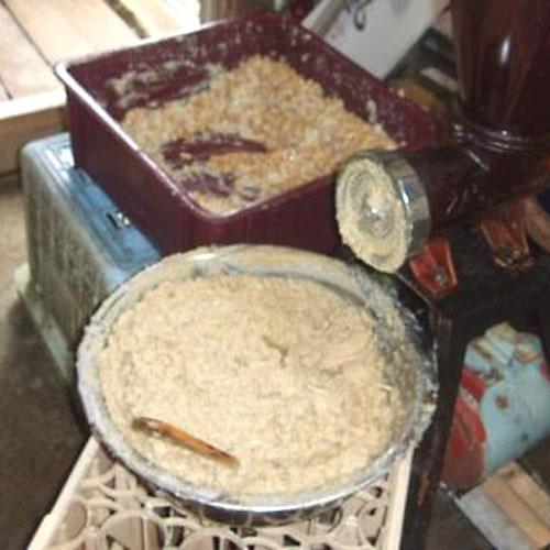 桜荘の味噌作り 03