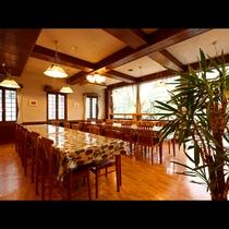 《レストラン》温もりの光に包まれて。