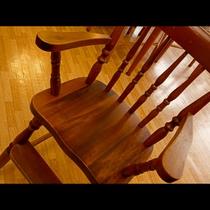 お子様用の椅子も用意しております。