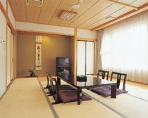 西館和室、バス・トイレ付のお部屋です。こちらのお部屋までは階段をご利用いただくようになります。