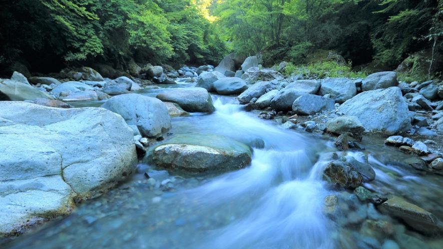 ★達沢不動滝、乙字ヶ滝、銚子ヶ滝、五百川渓谷…などなど。ここは自然が溢れる町です