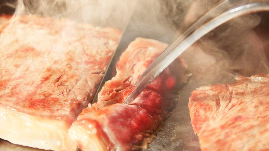 ★柔らかさが特徴の福島牛ステーキを召し上がれ