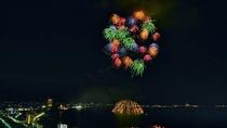 *【〜Beaute de Japon〜花火】夜空を一瞬で華やかに彩る魔法。