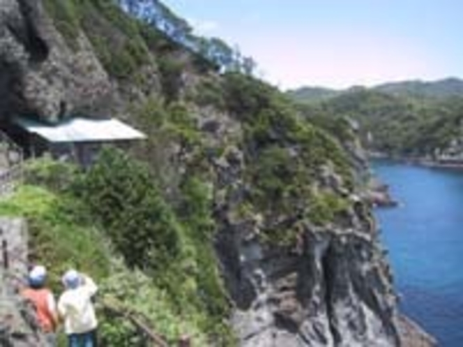南伊豆最南端の石廊崎にある石室神社