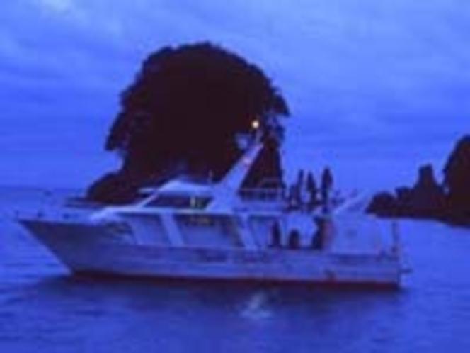 海ほたるクルージング 2011年夏 集合場所は海遊社  夜7時45分集合 乗船券を忘れないで!