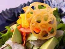 鯉のあらいのサラダ