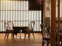 フロント横の和風レストラン