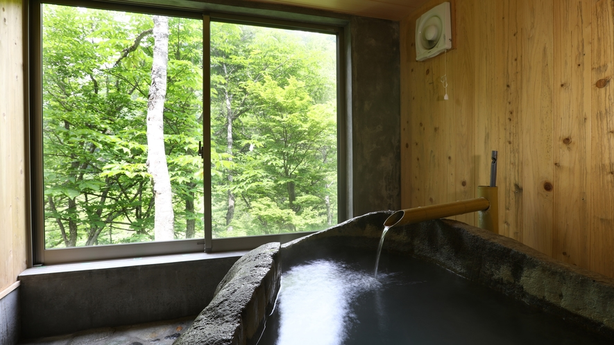 ■貸切風呂 巨石をくり抜いて造った岩風呂
