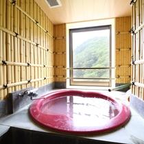 ゑ法師、笠法師、面皮の間に付いているお風呂:源泉かけ流しの温泉