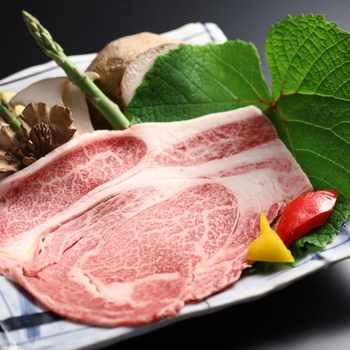 グレードUpプランのメイン料理:信州牛サーロインを水コンロ炙り焼きでどうぞ