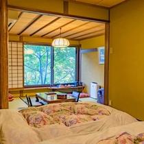 川胡桃の間 ベッドの寝室からの開放感