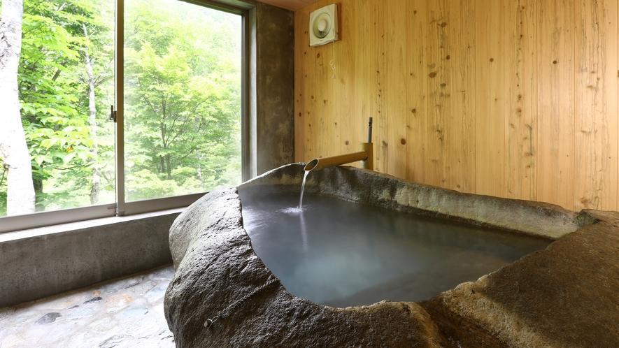 ■貸切風呂 大きな窓からの眺めを楽しんでください。