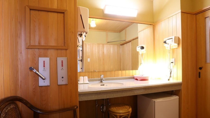 面皮の間 広くて使いやすい洗面スペース