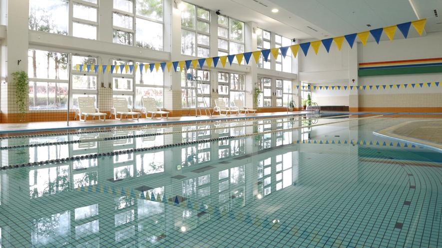 *【プール】天然温泉プールもあり、宿泊者の方は保険料の300円のみで利用できます。
