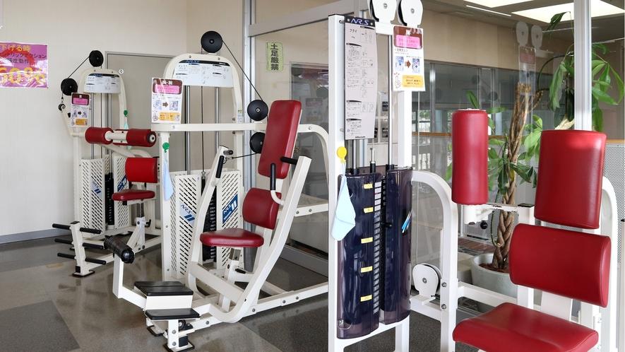 *【ジム】本格的な設備を備えお客様にあったトレーニング方法をご案内します。