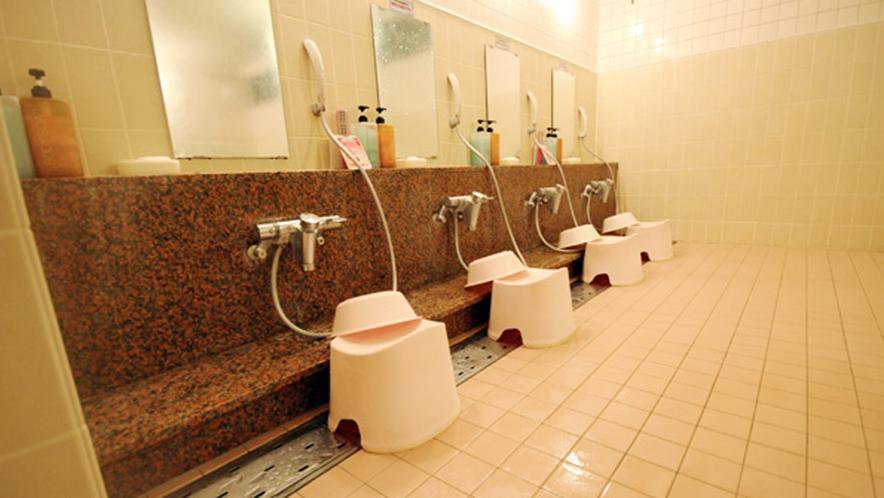 *【温泉】洗い場には、リンスインシャンプー、ボディーソープ、石鹸をご用意しています。