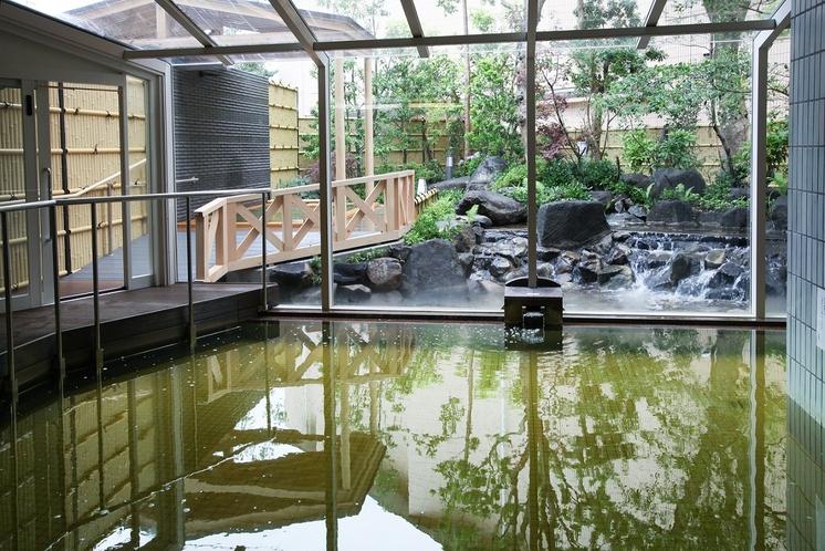 温泉の大浴場