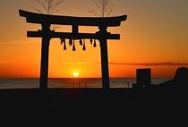 釣ケ崎海岸の鳥居