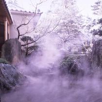 当宿の露天風呂は加水も加温も一切ない100%源泉掛け流しです。