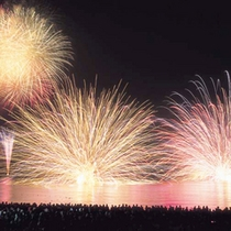 毎年恒例の三国花火大会
