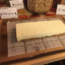 2017年初秋モーニングメニュー「パティシエスイーツ・レアチーズケーキ」