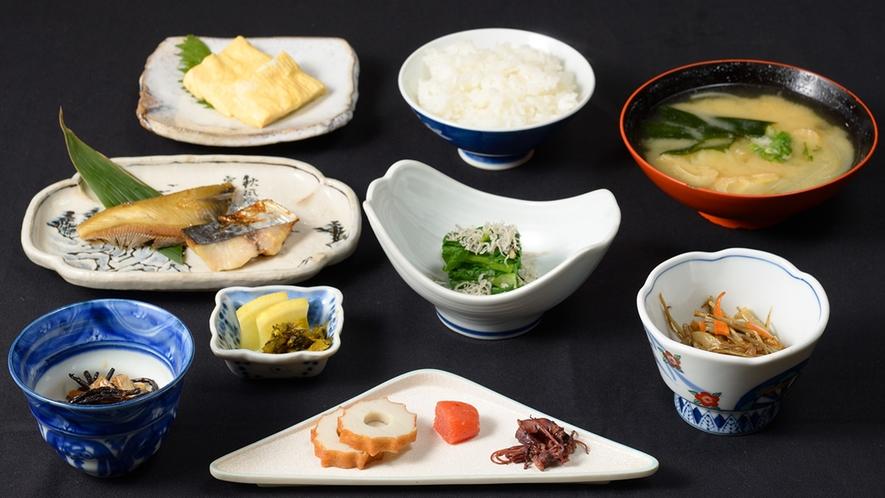 *【朝食 一例】栄養バランス抜群の、旅館ならではの朝食内容です。