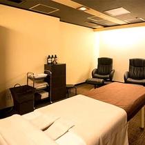 館内に「リラクゼーションルーム」がございます。ゆったりと癒しの時間をお過ごしください。