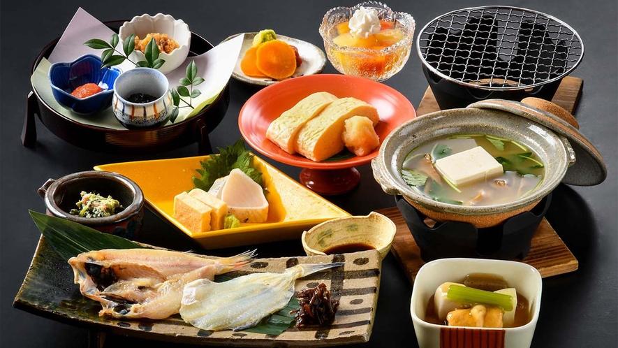 【朝の和食/白山】のど黒一夜干しや温泉鰈の焼き物など、海の幸と山の幸を楽しむ和朝食をご用意いたします