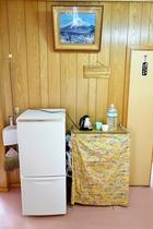 共同冷蔵庫、ポット
