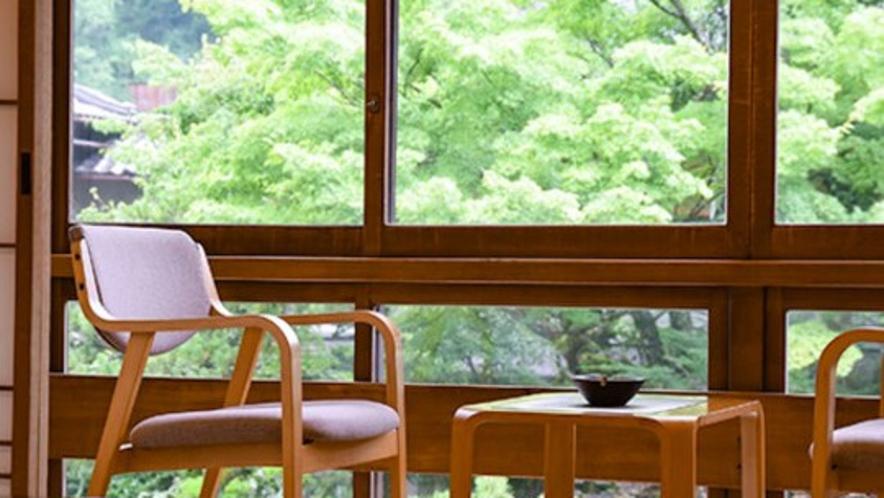 【庭園を望む客室一例】