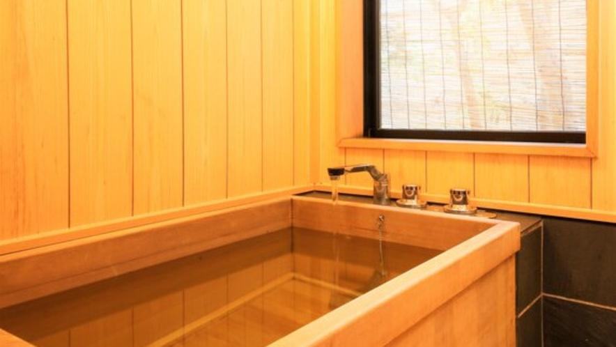 一般客室の檜風呂