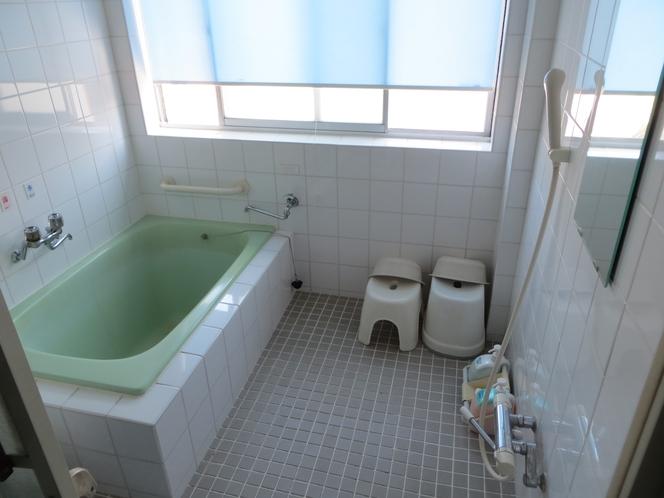 2階男性用浴室