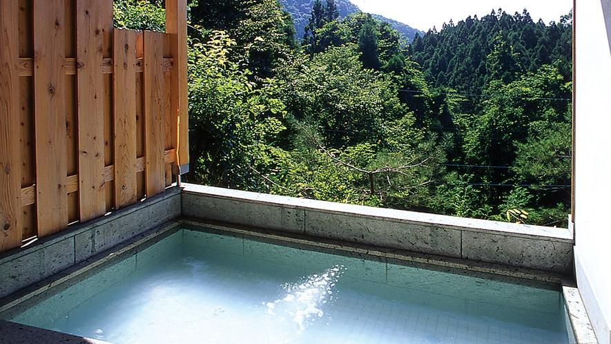 貸切風呂一例【宝石露天風呂】
