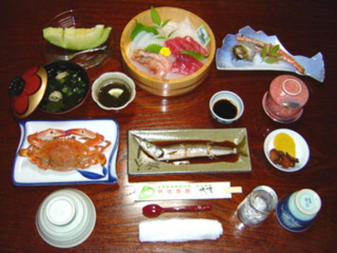 夕食・海鮮会席・松プラン・夏季〜秋季のセットです。