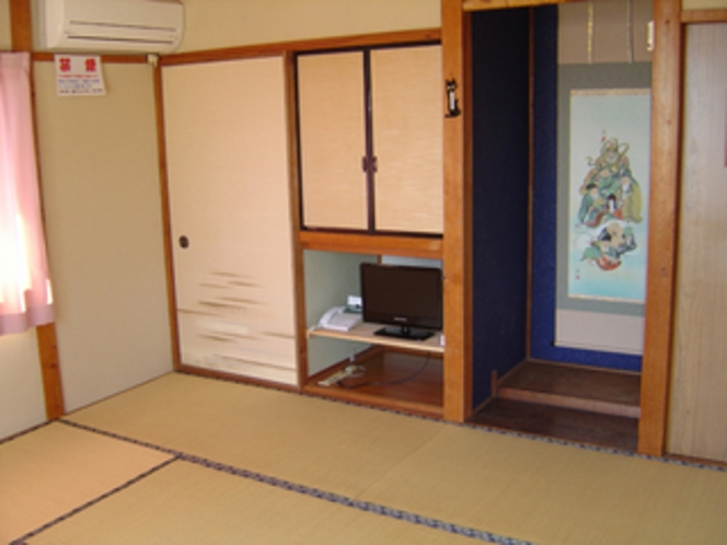 客室・和室8畳「萩の間」
