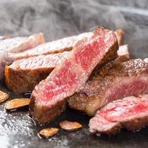 【7月22日~8月31日】夏の料理フェア『サーロインステーキ』※調味牛脂を注入した加工肉です