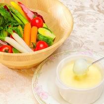 【4月5日~7月21日】春の料理フェア『チーズ入りクラムチャウダーフォンデュ』※イメージ