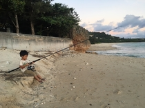 コンドミニアム棟前の浜