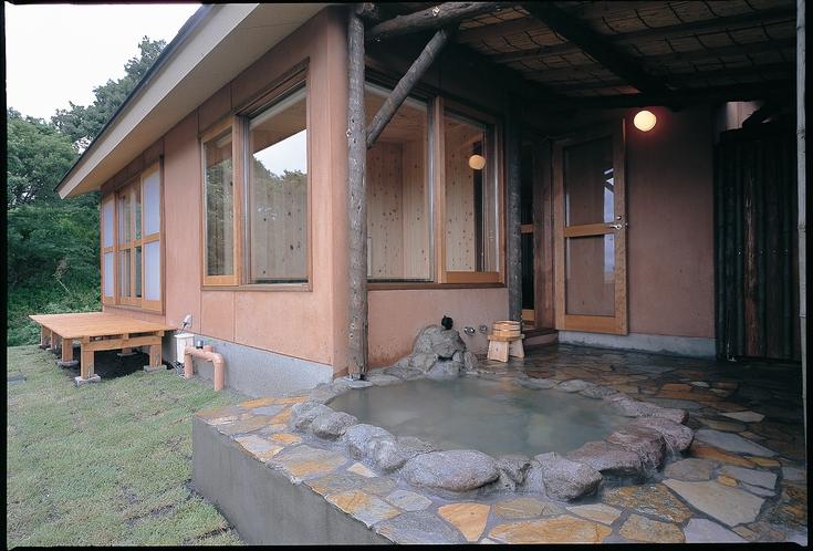 温泉露天付き和洋室の露天風呂