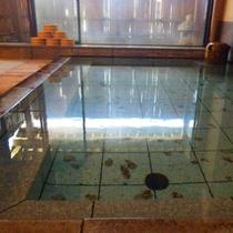 *【温泉】無色透明で柔らかい泉質は、肌に潤いを与え、芯から体を温めてくれます。